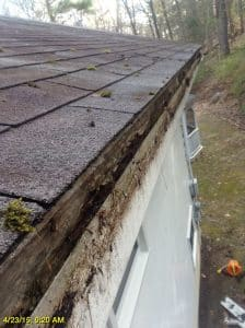 58ad1e14 7fb7 4b14 9931 517b883ea15f 224x300 3 - 5 Things to Consider When Replacing your Gutters